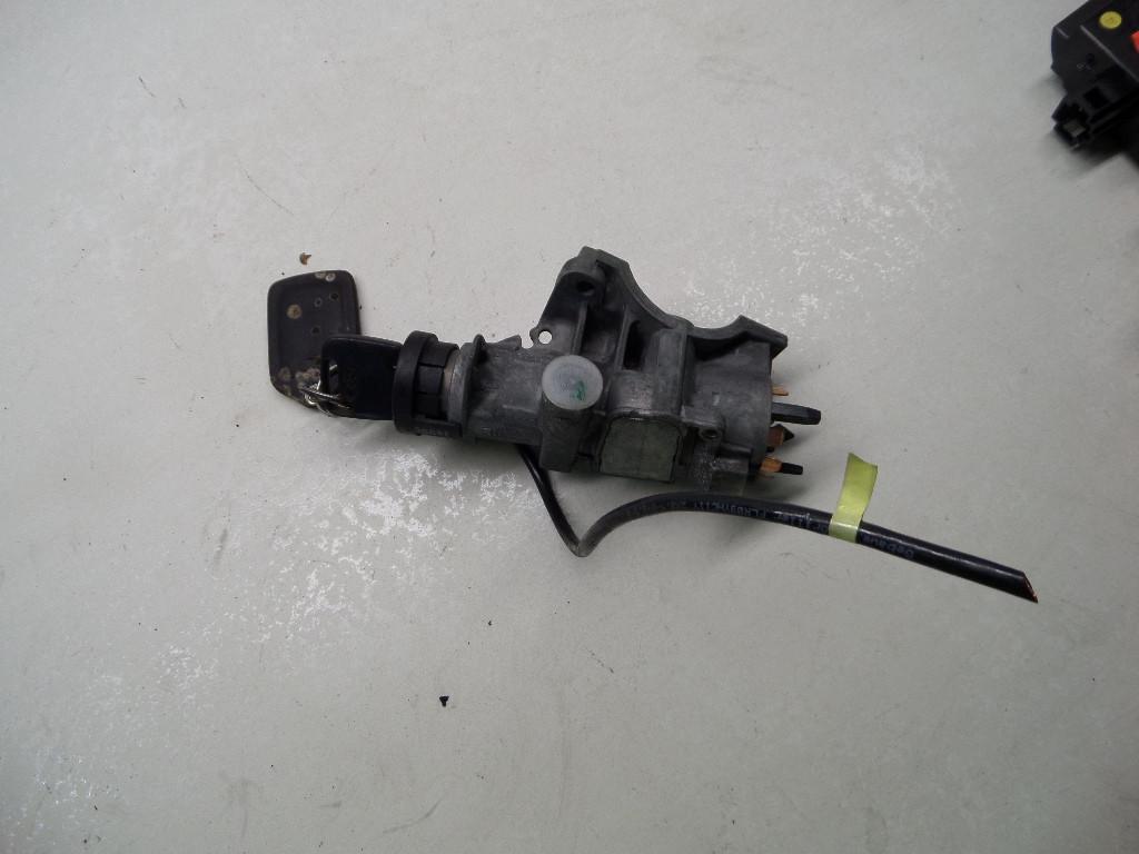 Części samochodowe :: Układ elektryczny, zapłon :: Stacyjki i kluczyki :: Stacyjki